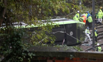 Major incident underway as Croydon tram derails in south London