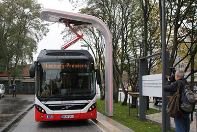 Electric hybrid bus with charging system from Siemens presented in Hamburg