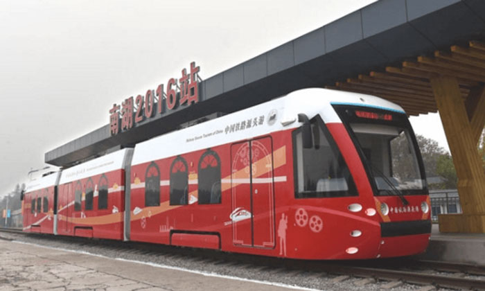 First hydrogen hybrid tram put into operation