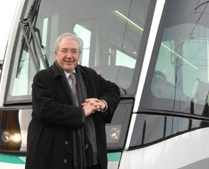 Jean-Paul Huchon, Chairman of STIF, the body responsible for organising public transport in the Paris region, and Chairman of the Ile-de-France regional authority © Alstom Transport - Yves Ronzier