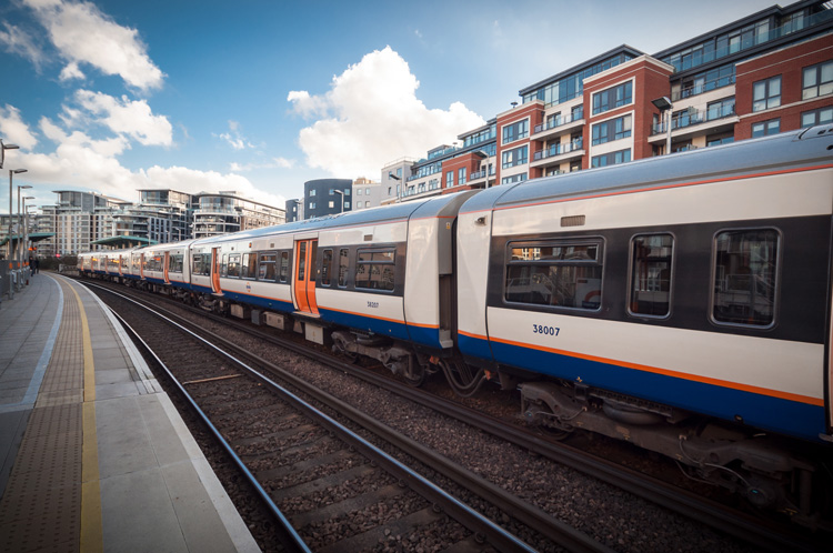 Deaf awareness training to begin for London Overground staff