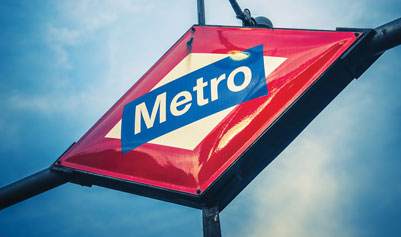 Metro de Madrid Sign