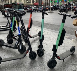 Disrupted Paris transport leads to increase in bike and scooter accidents