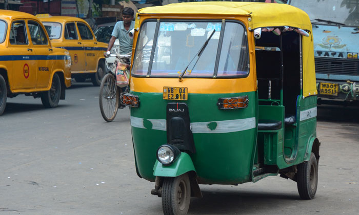 Ola Cabs to add 10000 electric three-wheelers to fleet
