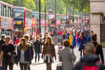 UK demand for new low emission buses surges in 2015