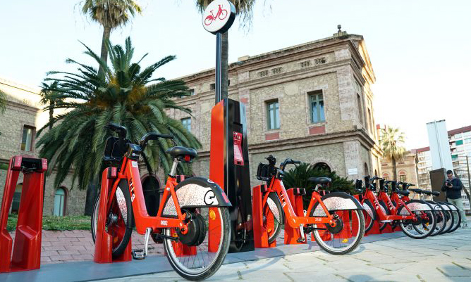 Barcelona's bike-share system is updated and extended with more bikes