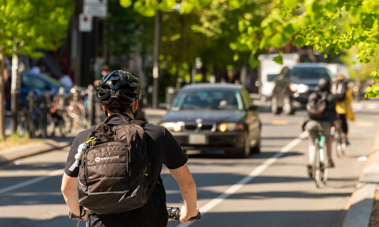 Transport Canada invests in cyclist and pedestrian safety
