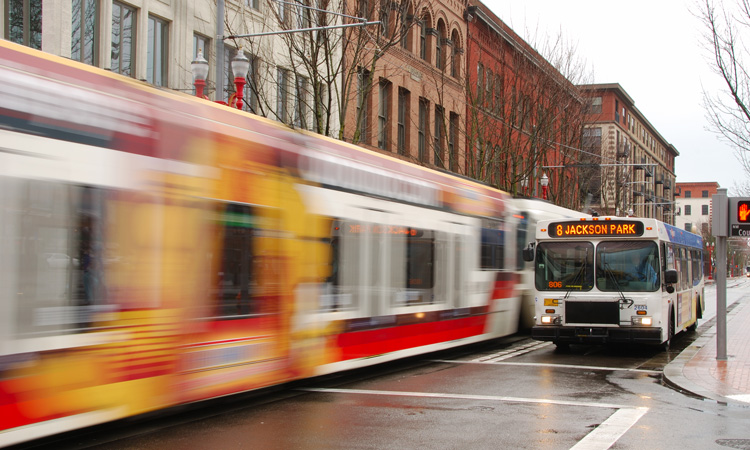 UITP and ICLEI partner to promote safe, sustainable mobility
