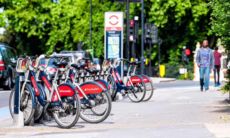 TfL celebrates 10 years of cycle hire amid record-breaking summer